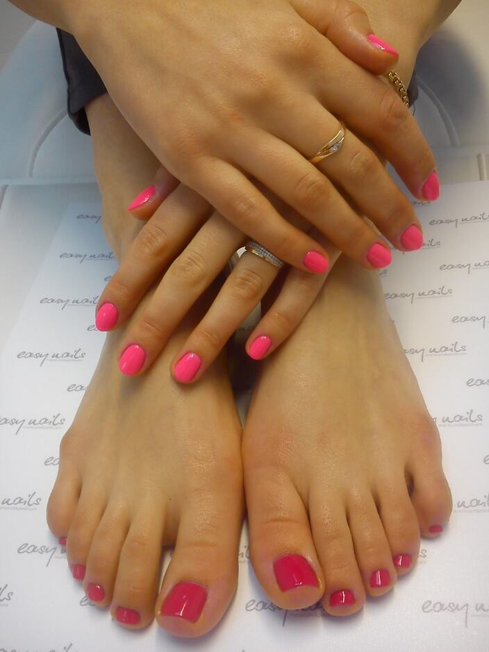 Therapeutic Manicure and Pedicure Warsaw